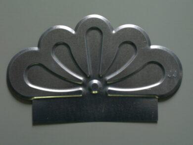 Štítek pozinkovaný bílo hliníkový okrasný(4627)