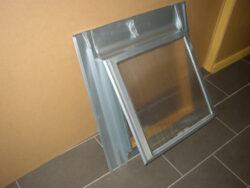 Vylézák hliníkový přírodní 60 x 60 cm, zasklený polykarbonátem